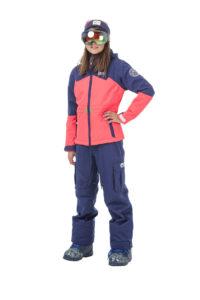 Picture Skijacke für Mädchen die gerne flott auf der Skipiste unterwegs sind: Das Maty Jacket ist grüner, als es aussieht.  Foto (c) picture organic clothing