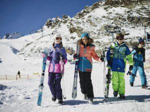 O'Neill Kinder Skijacken bringen mehr Farbe auf die Pisten.  foto (c) oneill.com