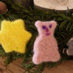 Christbaumschmuck mit Kindern basteln: Tolle Weihnachtsbaumanhänger trockenfilzen