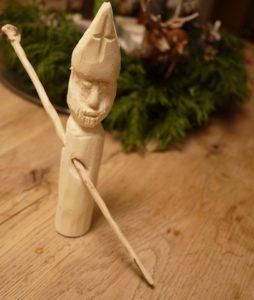 Toll haben die Kinder den Nikolaus geschnitzt.  foto (c) kinderoutdoor.de