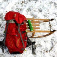 Rodeln mit der Familie: Unsere Packliste hilft Euch das Notwendigste in den Rucksack zu packen. So seid Ihr optimal ausgerüstet.   foto (c) kinderoutdoor.de