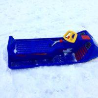 Schlittenfahren mit Kinder. Der Eko Snow-Comet aus der Schweiz ist der Ferrari auf dem Schlittenhügel.  foto (c) kinderoutdoor.de
