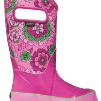 Bogs Gummistiefel mit Flower Power: Rain Boot Pansies halten dicht und müffeln nicht. foto(c) bogs
