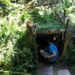 Landart für Kinder: Wigwam aus Ästen bauen und andere tolle Unterstände