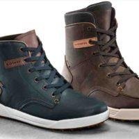 """Welche Farben haben die LOWA Schuhe 2017? """"ie Trendfarbe in dieser Saison ist Oliv im Bereich der Herrenmodelle. Bei den Damen ist die Farbe in einer helleren Variante zu sehen. Die Farbgebung zieht sich auch im Textilbereich im Herbst/Winter durch, sodass sich hier sehr gute Kombinationsmöglichkeiten für die Konsumenten ergeben, """"so der Entwicklungsleiter Alexander Nicolai  foto (c) LOWA"""