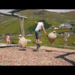 Wandern mit Kindern in Tirol zu den Spielplätzen am Berg
