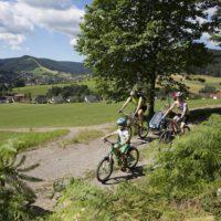 Mountainbiken mit Kindern ist auf der Tonbach Tour von April bis November möglich.   Foto: Baiersbronn Touristik