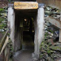 Wandern mit Kindern zu den ehemaligen Erzgruben vom Grünten.   foto (c) kinderoutdoor.de