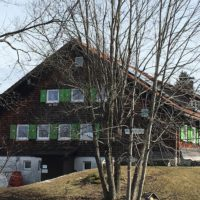 Eine familienfreundliche Berghütte ist die DAV Schwandalpe bei Thalkirchdorf im Allgäu. Ein klassisches Selbstversorgerhaus.   foto (c) kinderoutdoor.de