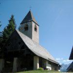 Wandern mit Kindern zur Kirche St. Helena auf dem Reggelberg lohnt sich und Ihr habt wenige Höhenmeter vor Euch.   foto (c) kinderoutdoor.de