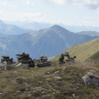 Bleibt mit den Kindern in den Bergen immer auf Sichtkontakt.   foto (c) kinderoutdoor.de