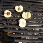Outdoor Rezepte für Kinder: Schokoäpfel vom Lagerfeuer