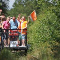 Die drei Muskeltour bringt Kinder und Eltern ins Schwitzen.Dazu gehört auch eine Fahrt mit der Draisine, dem Vorläufer vom ICE.  foto (c) Deutsches Jugendherbergswerk Landesverband Nordmark e.V.