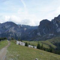 Der letzte Anstieg hinauf zum Breitenberg ist fast geschafft. Die Familie wanderte von der Bad Kissinger Hütte zur Ostlerhütte.   foto (c) kinderoutdoro.de