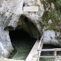 Die Wimsener Höhle gefällt den Kindern und auch der Württembergische König fuhr hier mit dem Kahn in die Unterwelt ein.   foto (c) kinderoutdoor.de
