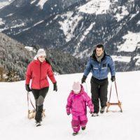 Schenna ist im Winter ideal für aktive Familien. Rodeln gehört auch dazu.   Bildnachweis: Tourismusverein Schenna/Klaus Peterlin
