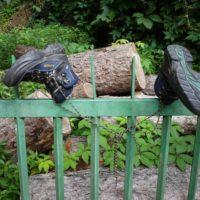 Outdoor Schuhe pflegen ist ganz einfach, dazu gehört auch der ideale Platz damit die Schuhe wieder trocknen können.  foto (c) kinderoutdoor.de