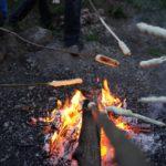 Stockbrot Rezepte für Kinder: Outdoorkochen am Lagerfeuer