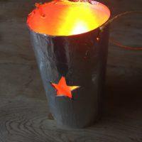 Leuchtet doch wunderbar unsere Last MInute Laterne...  foto (c) kinderoutdoor.de