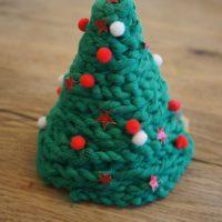 Fertig ist unser Weihnachtsbaum, den die Kinder gebastelt haben.   foto (c) kinderoutdoor.de