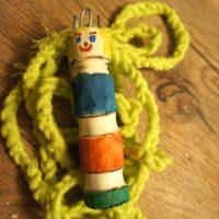 Hier ist unsere selbst gebastelte Strickliesel.  foto (c) kinderoutdoor.de