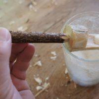 So sieht unser fertiger und selbst geschnitzter Salzlöffel aus.   foto (c) kinderoutdoor.de