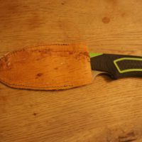Bushcraft für Kinder bringt solche tollen Sachen hervor wie das Messer Etui aus Birkenrinde.   foto (c) kinderoutdoor.de