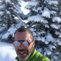 Die Izipizi Gletscherbrille hält die UV Strahlen wunderbar ab.   foto (c) kinderoutdoor.de