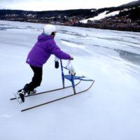 Eislaufen mit Kindern : So lernen die Kinder das Schlittschuhfahren.   foto (c) kinderoutdoor.de