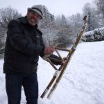 Bushcraft mit Kindern: Einen Schlitten bauen ohne Nägel, Schrauben und Seile