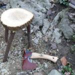 Bushcraft mit Kindern: Outdoor Hocker bauen in weniger als zehn Minuten