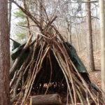 Zelt mit Kindern im Wald bauen: Plötzlich seid Ihr Indianer