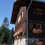 Berghütten mit Kindern im Frühling: Da blüht die Familie auf!