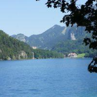 Wandern mit Kindern am Alpsee. Zwei Schlösser auf einen Blick, wo gibt es das sonst?  foto (c) kinderoutdoor.de