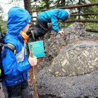 Wandern mit Kindern zu den Fossilien am Sattelberg (Steiermark) bei Ramsau.   foto (c) kinderoutdoor.de
