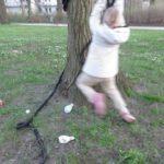 Schnitzeljagd für Kinder: Mit dem Seil kommen die Kinder in Schwung