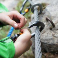 Ein Klettersteig gehört in Südtirol zum Familienurlaub.  foto (c) kinderoutdoor.de
