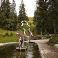 Ein besonderer Erlebnispfad für die Kinder ist bei Ratschings (Südtirol) die Bergerlebniswelt.  foto (c) kinderoutdoor.de