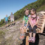 Wandern mit Kindern in Sankt Anton am Arlberg: Alpenrosen, Mutspuren und Almen