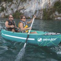 Das Sevylor Waterton Kayak ist ideal für Einsteiger und Outdoorer. Spurtreu dank seiner abnhembaren Finne lässte ssich mit wenig Kraft präzise manövrieren.   foto (c) kinderoutdoor.de