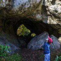 Outdoor mit Kindern in Franken: Mystische Höhlen faszinieren die Kinder.   foto (c) bernd Deschauer