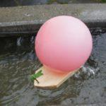 Schnitzen mit Kindern: Ein Boot mit Raketenantrieb