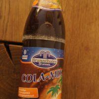 Cola Mix Test und Wasser aus der Eiszeit getrunken. Brunnthaler, aus Oberbayern, braut den Softdrink mit diesem besonders wertvollen Wasser.   foto (c) kinderoutdoor.de