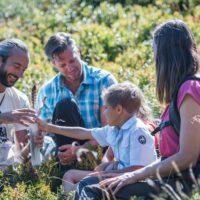 Urlaub mit Kindern im Karwendel: Hier sind die Kleinen als Silberrancher unterwegs und entdecken die Natur in den Tiroler Bergen.   Fotograf: Angelica Morales - Ichmachefotos.com Fotocredit: TVB Silberregion Karwendel