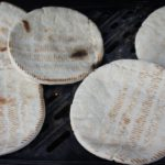 Outdoor Rezepte für Kinder die draußen kochen: Lagerfeuer Brot