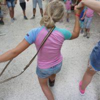 Schnitzeljagd für Kinder: Das Schlaufenspiel solltet Ihr einmal ausprobieren. Hier gibt es keine Gewinner oder Verlierer.  foto (c) kinderoutdoor.de