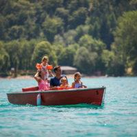 Sommer mit Kindern im Salzburger Land: Dazu gehört auch eine Bootsfahrt auf dem Fuschlsee.  © SalzburgerLand Tourismus  Urheber Michael Groessinger