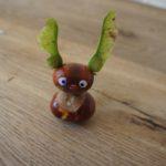 Basteln mit Kastanien: Ein lustige Hase aus Naturmaterialien