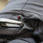 Outdoor Bekleidung selbst reparieren: Löcher, Reißverschlüsse und andere Ärgernisse