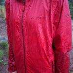 Regenjacke im Test: Vaude Tremalzo II ist mit allen Wassern gewaschen